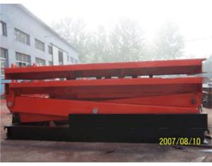 Fixed rail-mounted rotary table lifts