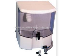 Water filter dispensor