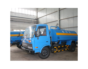 Export of railway suction sewage truck