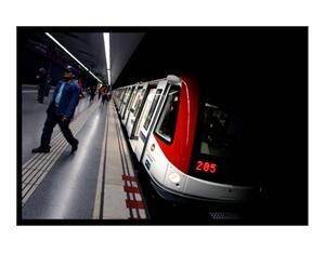 Metropolis metro on Barcelona line 2, serie 9000 trainset, Spain, 2006. ALSTOM Transport /