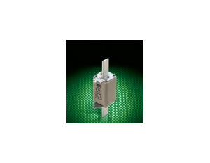 Square pipe fuse blade contacts 4