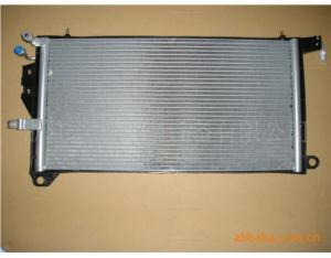 Automobile air conditioning condenser