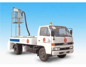 Lavatory/Sewage service truck