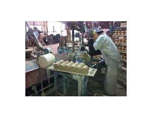 Ceramic shackle insulator manufacturing process